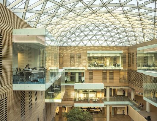 Lazaridis Hall (Waterloo, Ontario) / Diamond Schmitt Architects
