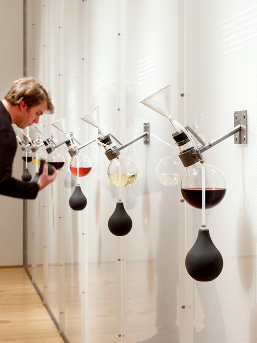"Diller Scofidio + Renfro's ""How Wine Became Modern"" exhibition at SFMOMA in 2010. Image via Metropolis Magazine. Image © Matthew Millman"