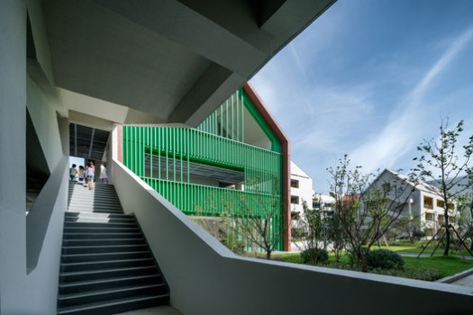 Corridor And Courtyard Interpenetrate. Image © Qingshan Wu