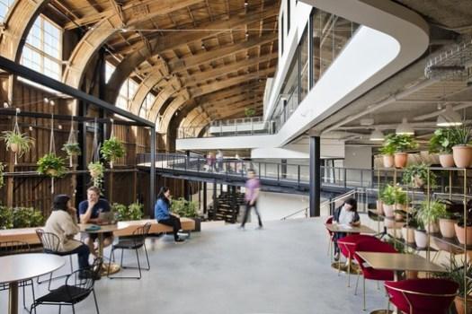Google Spruce Goose Hangar. Image Courtesy of ZGF Architects