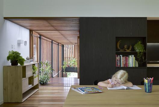 42494 Gresham Street House / Jackson Teece Architecture