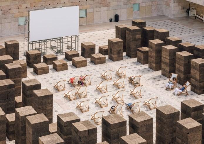 A Square in Summer / PROMONTORIO, © Francisco Nogueira