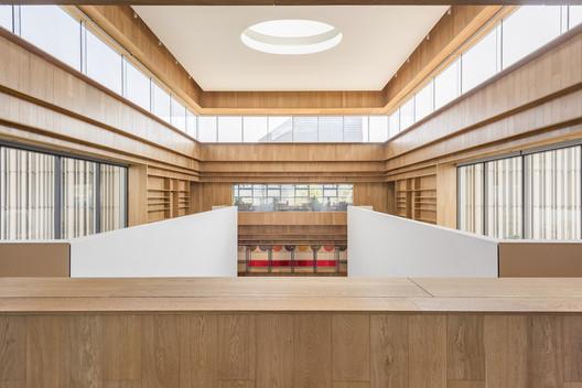 BRIDGE-272-X B Campus / AIM Architecture Architecture