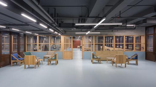 BRIDGE-745-X B Campus / AIM Architecture Architecture