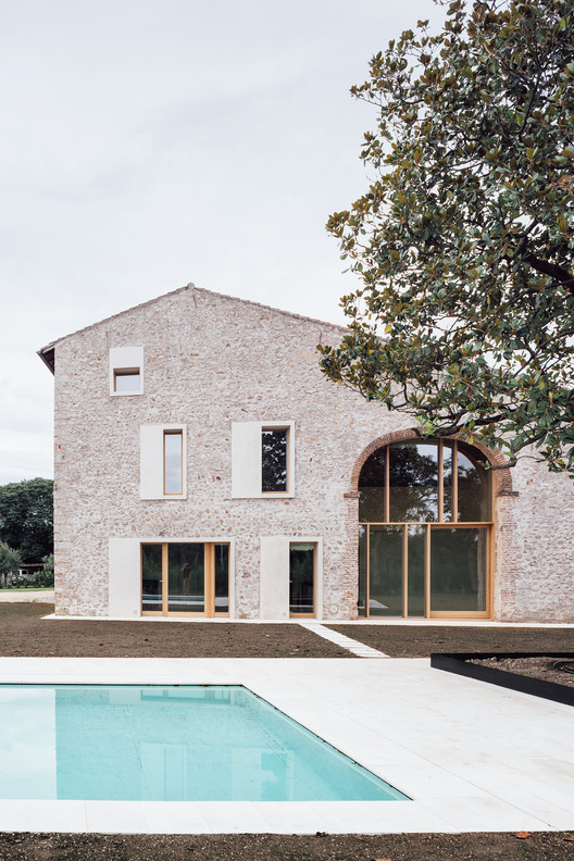 -_Featured_Image A Country House in Chievo / studio wok Architecture