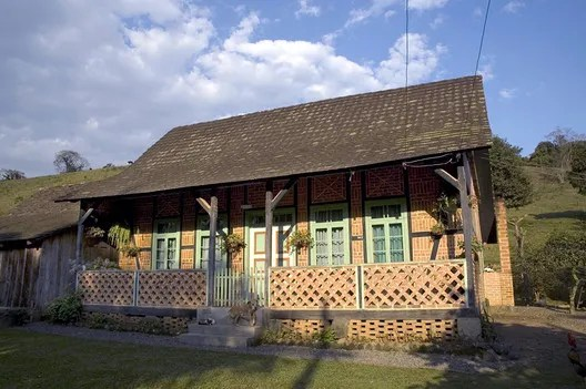 Fachwerk House Erwin Rux, in Conjunto Rural de Rio da Luz, in  Jaraguá do Sul (SC). Courtesy of Iphan