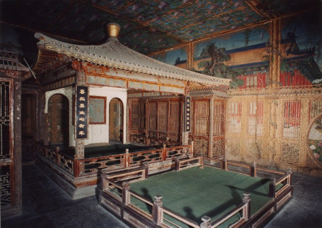 Juanqinzhai theater room before conservation. Image via World Monuments Fund