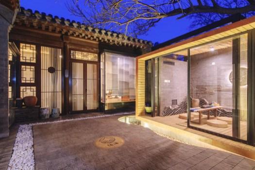 Courtyard night scene. Image © Xiaodong Xu