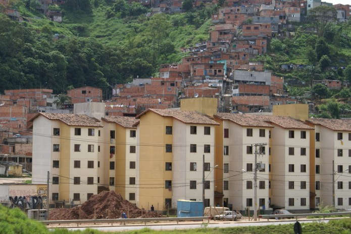 Housing in São Bernardo do Campo, Brasil. Image via Wikipedia User: Lukaaz. Licensed under CC BY-SA 3.0