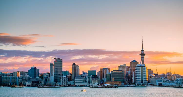 © Klanarong Chitmung / Shutterstock.com. ImageAuckland, New Zealand