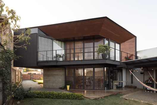 House in The Center / Arkosis - Free CAD Download World
