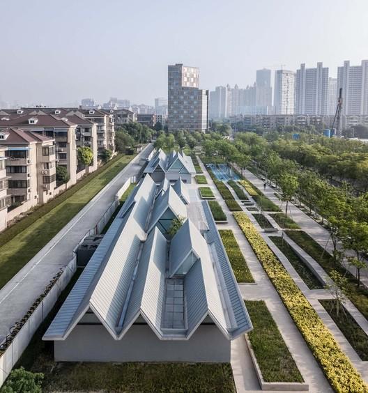 south aerial view. Image © Shengliang Su