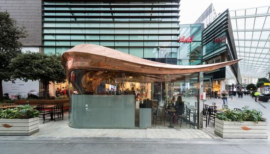 Colicci Cafe at Westfield Stratford. Image © Mizzi Studio