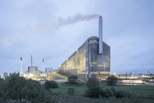 CopenHill Energy Plant and Urban Recreation Center / BIG. Image © Laurian Ghinitoiu
