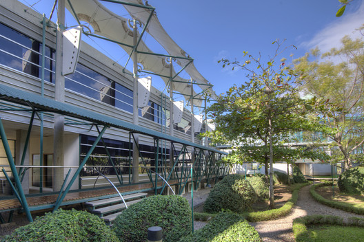 © Sergio Pucci. Image Office Building HOLCIM headquarters, Alajuela, Costa Rica / Bruno Stagno Arq. y Asoc. S.A.