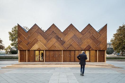The Circular Pavilion / Encore Heureux Architects. © Cyrus Cornut