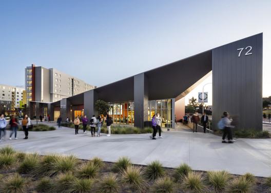 Cal Poly Student Housing. Image Courtesy of HMC Architects