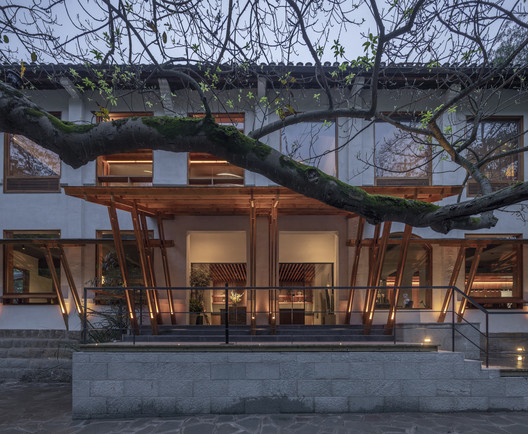 The entrance. Image © Weiqi Jin