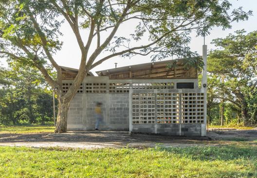 Plan B Guatemala / DEOC Arquitectos. Image Cortesía de DEOC Arquitectos