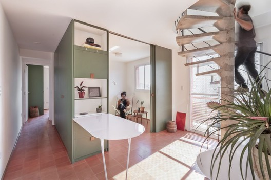 Twin Apartments / Estúdio Lava. Image © Julia Novoa