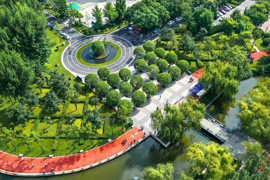 Osmanthus Square. Image © Jin Zhang