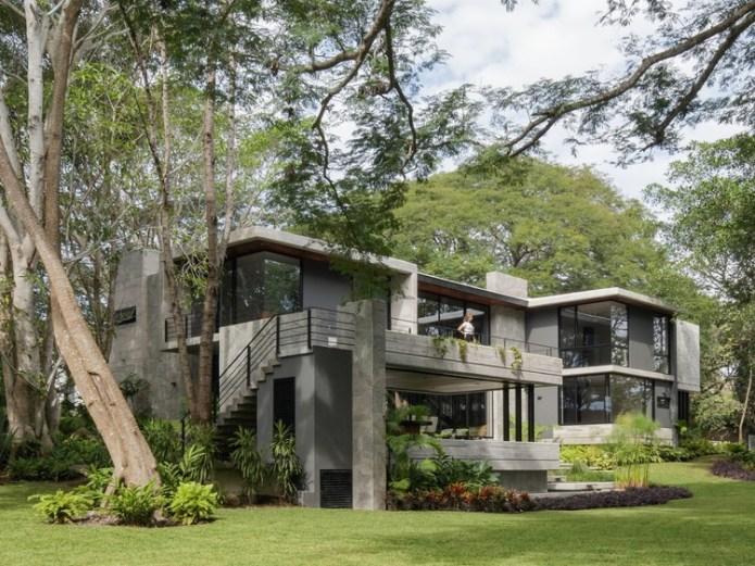 Entreparotas House / Di Frenna Arquitectos. Image © Lorena Darquea