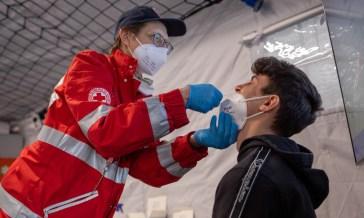 Coronavirus: in Italia 3.190 nuovi casi e 23 morti, il tasso di positività sale al 3,8%