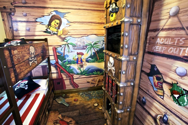 6 Cool Kid Themed Hotel Rooms What To Expect
