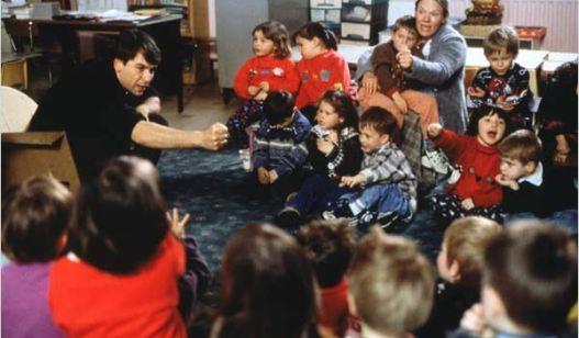 regroupement en maternelle, extrait du film ça commence aujourd'hui