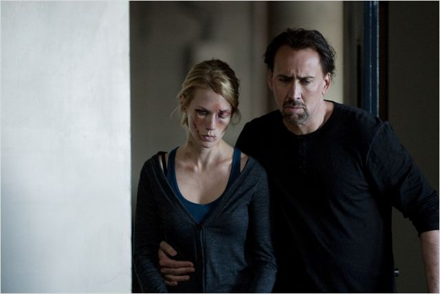 Will Gerard (Nicolas Cage) soutient sa femme Laura (January Jones), victime d'un viol et d'une agression sauvages