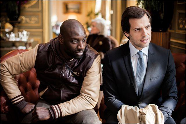 Ousmane Diakité (Omar Sy) et François Monge (Laurent Lafitte) doivent collaborer pour cette enquête