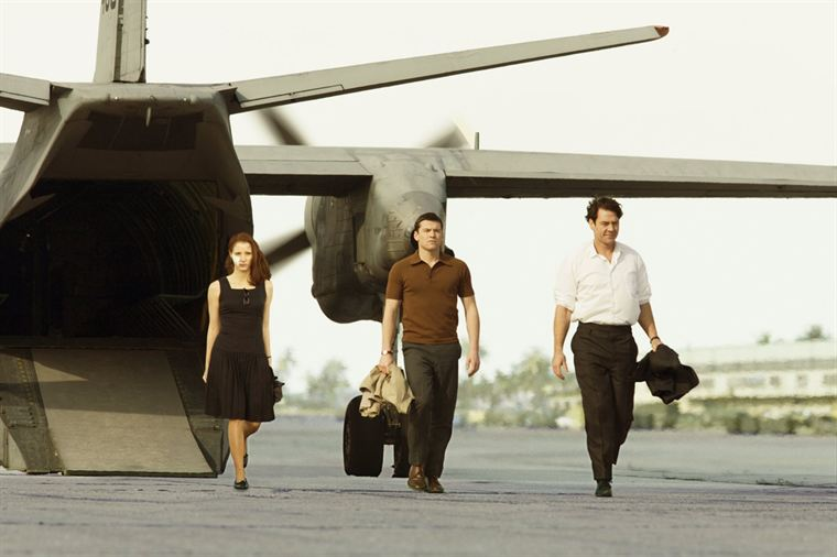 Le trio Rachel Singer (Jessica Chastain), David Peretz (Sam Worthington) et Stephan Gold (Marton Csokas) est accueilli en héros à son retour en Israël