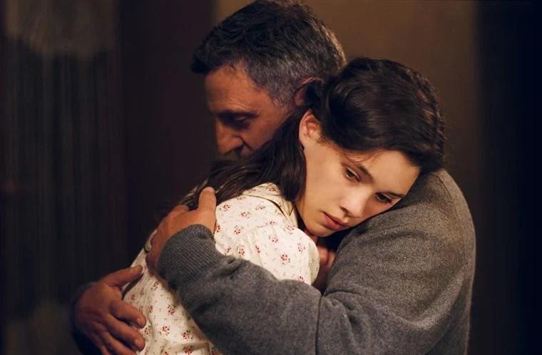 Le puisatier (Daniel Auteuil) et sa fille (Astrid Bergès-Frisbey)