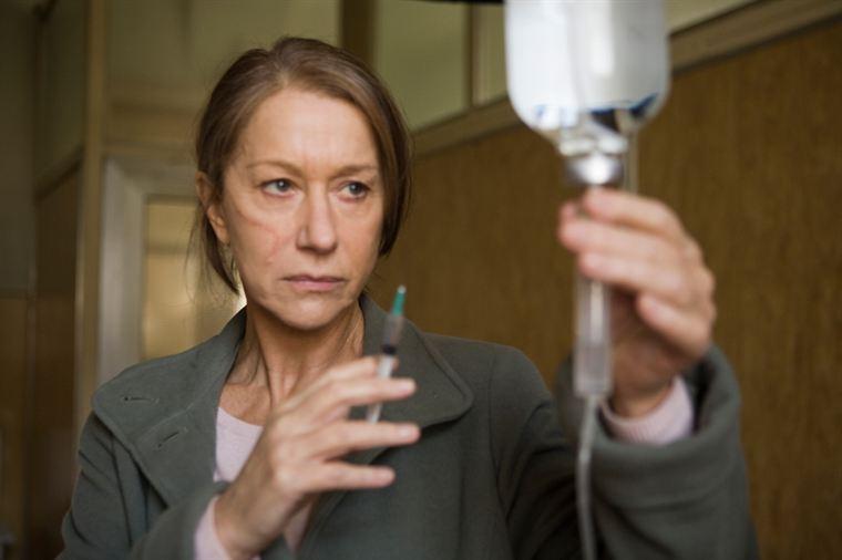 Rachel Singer (Helen Mirren) doit réparer les conséquences d'un échec et d'un lourd mensonge