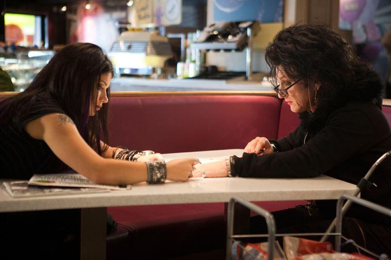 Cheyenne (Sean Penn) et la jeune Mary (Eve Hewson)