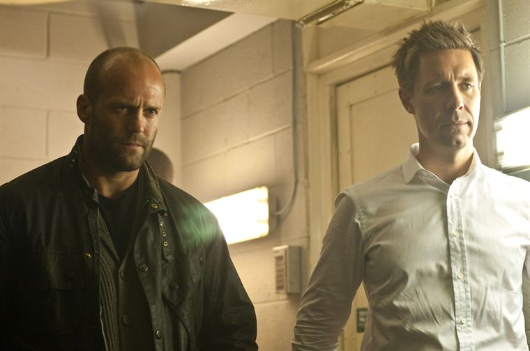 Brant (Jason Statham) et Porter Nash (Paddy Considine) doivent faire équipe pour retrouver le Blitz, serial-killer de flics