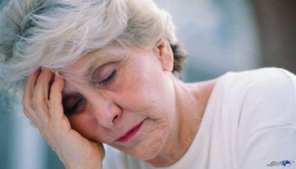 سن انقطاع الحيض الأعراض والعلامات الجسدية والنفسية دنيا