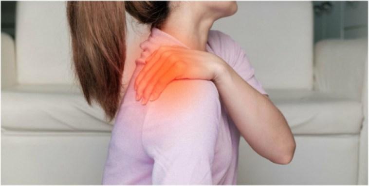 El aceite de alcanfor es un tratamiento mágico para aliviar el dolor.