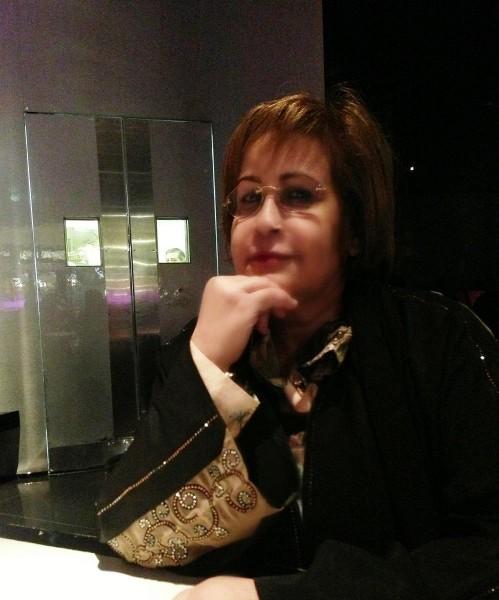 الشاعرة اسماء بنت صقر القاسمي:القصيدة أنثى حين تضج في أعماقي تختار الفستان  الذي يناسبها | دنيا الرأي