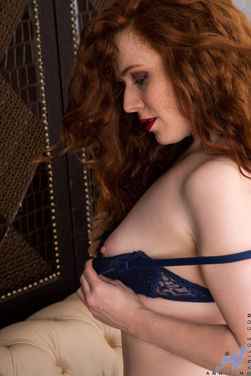 Anilos.com - Amy C: Classic Beauty