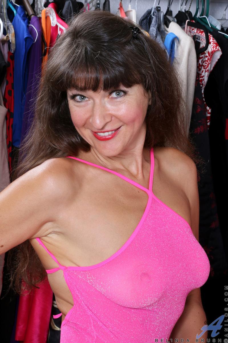 Anilos.com - Belinda Brush: Sexy Mature