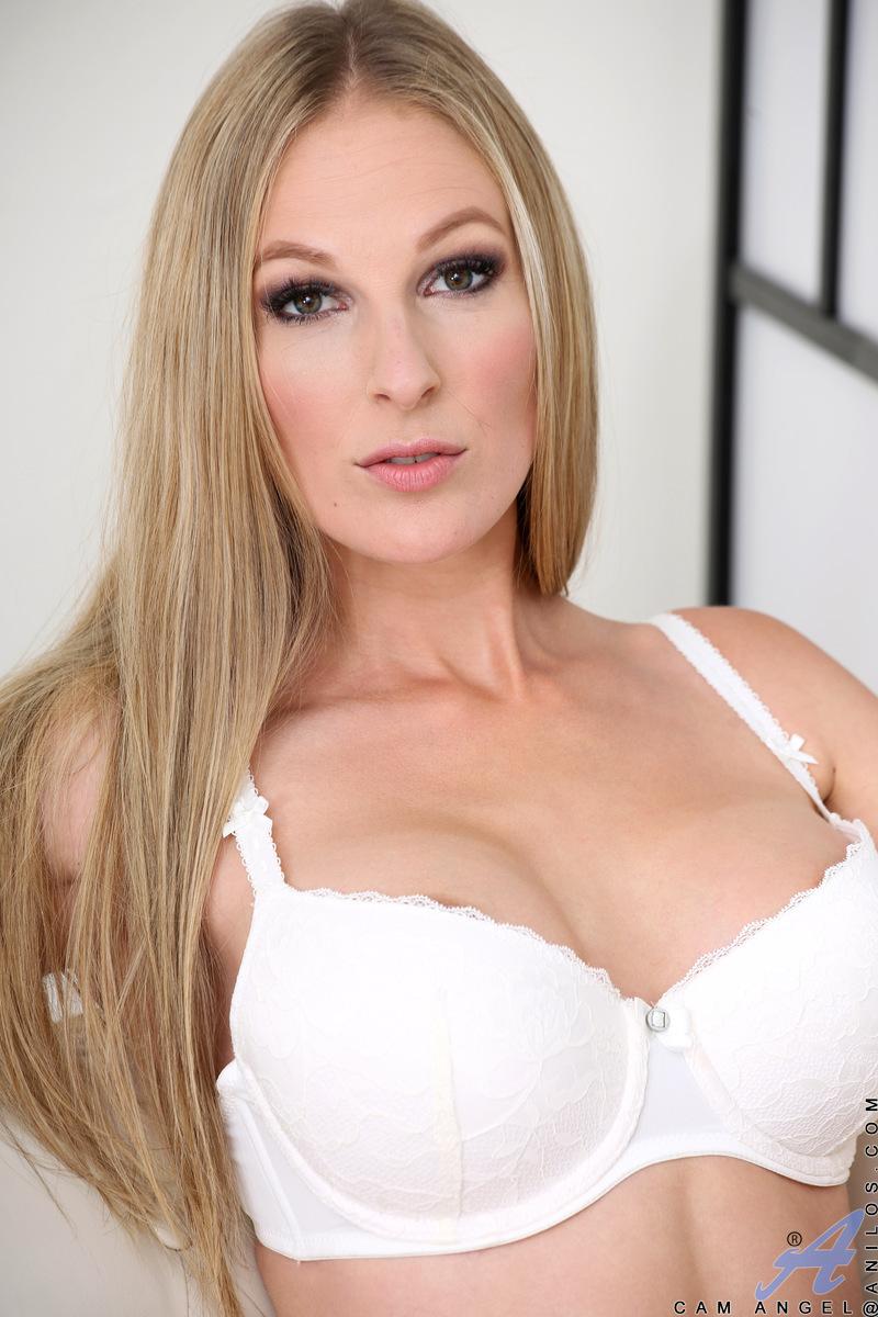 Anilos.com - Cam Angel: Busty Blonde