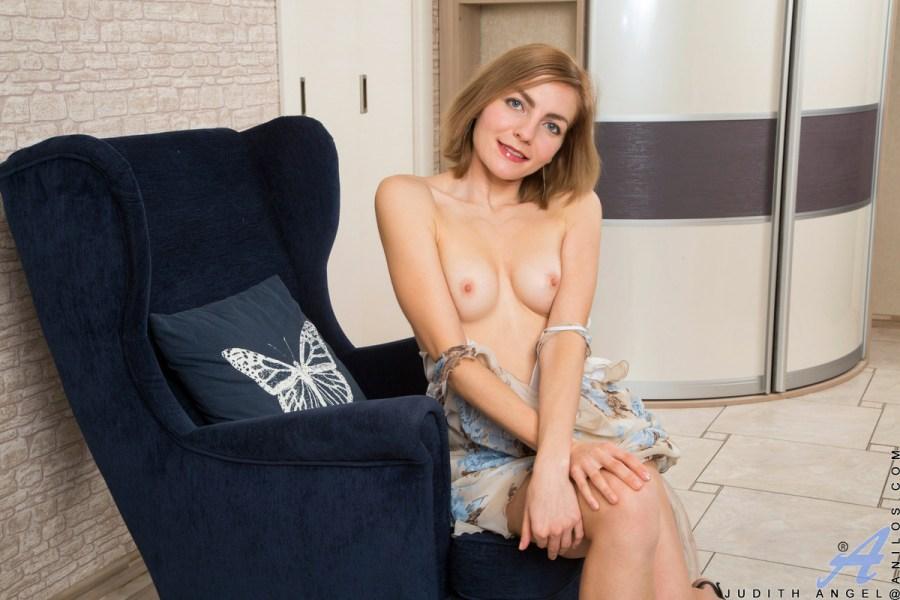 Anilos.com - Judith Angel: Sexy Amateur