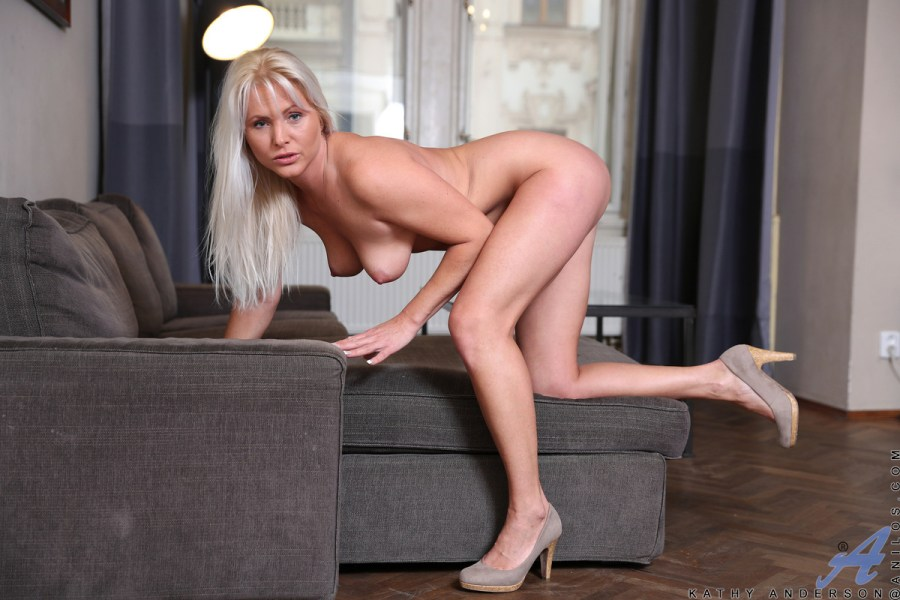 Anilos.com - Kathy Anderson: Blonde Mature