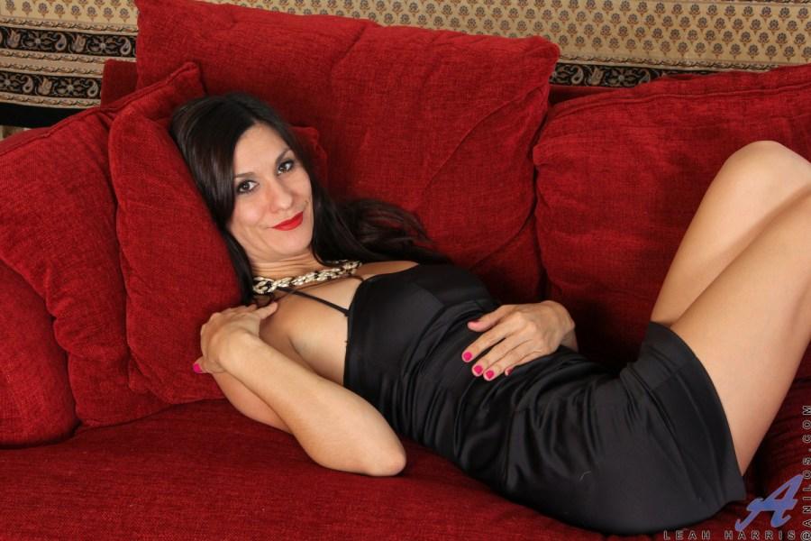 Anilos.com - Leah Harris: Good Looks
