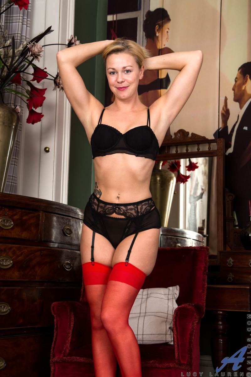Anilos.com - Lucy Lauren: Little Red Dress