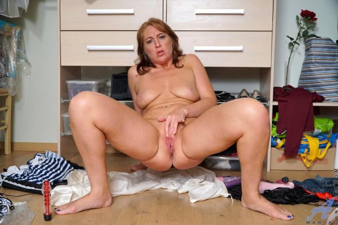 Anilos.com - Marta: Toy Orgasm
