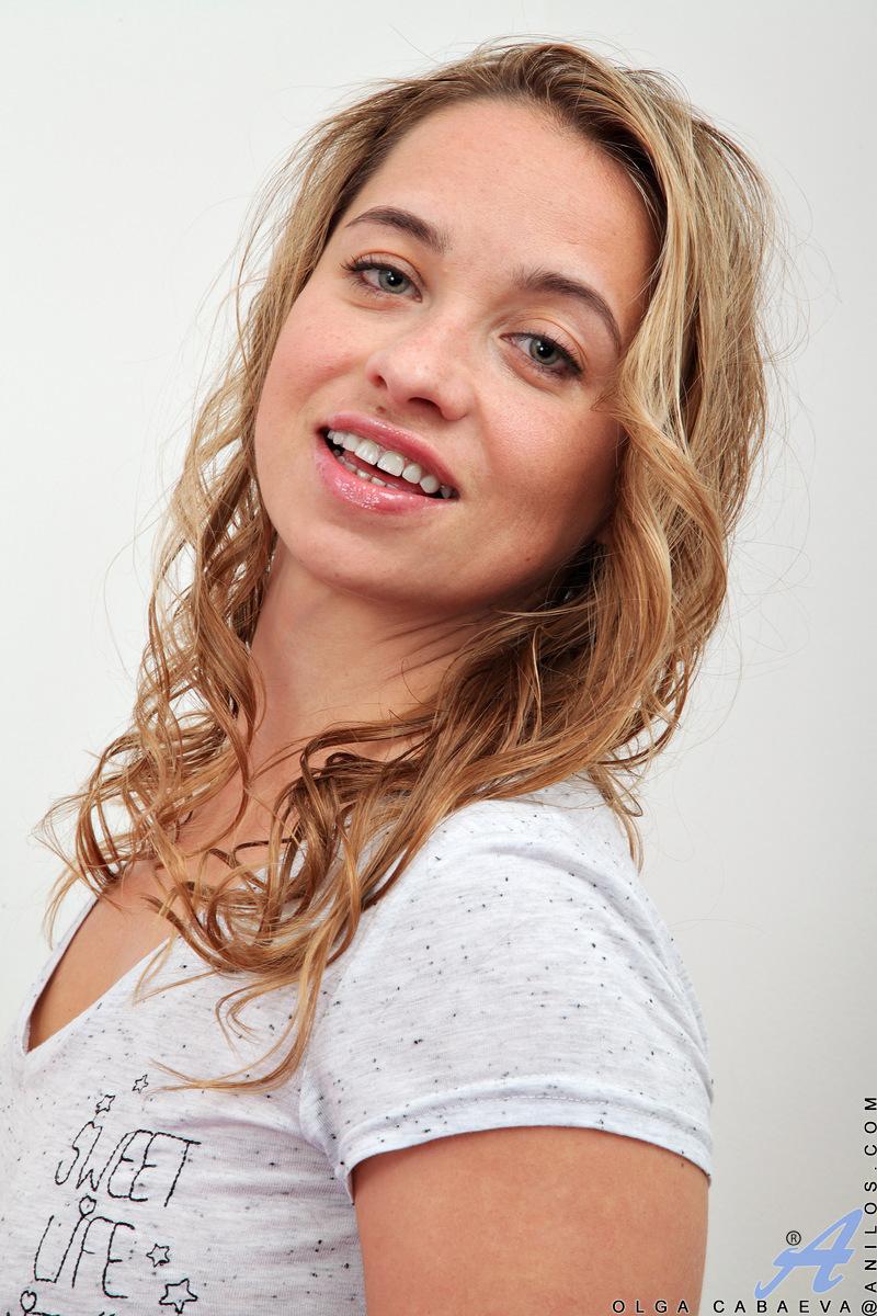 Anilos.com - Olga Cabaeva: Back For More