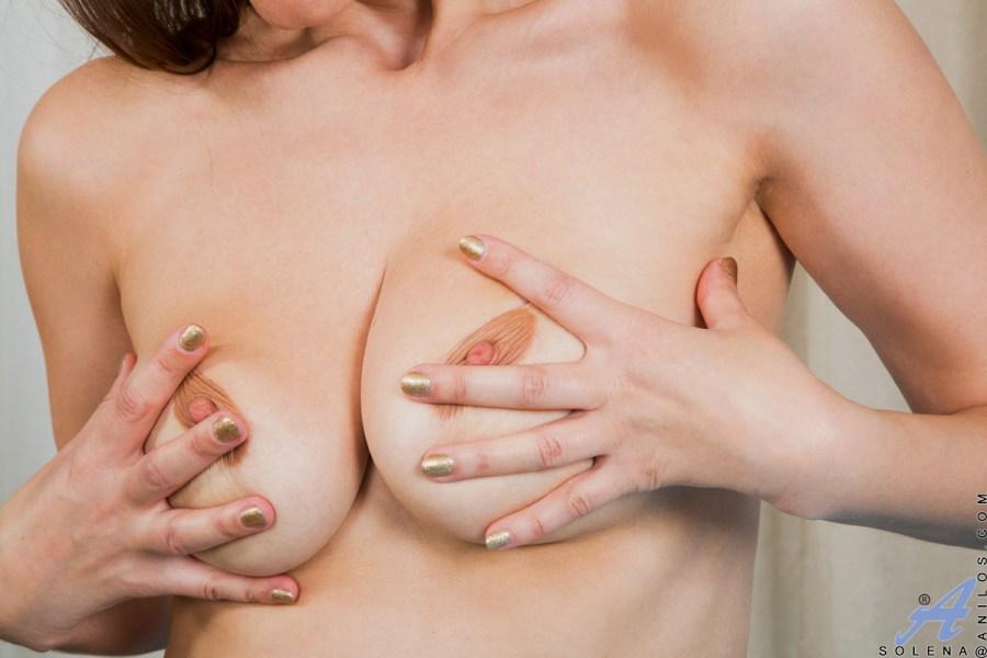 Anilos.com - Solena: Sexy Solena