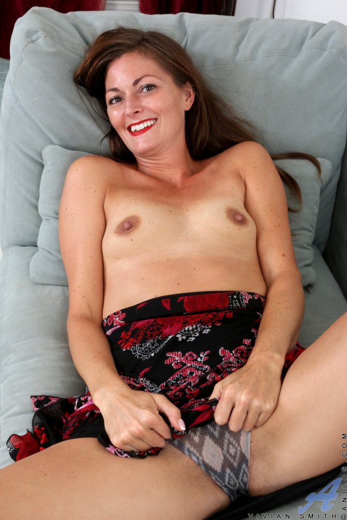 Anilos.com - Vivian Smith: Cum For You